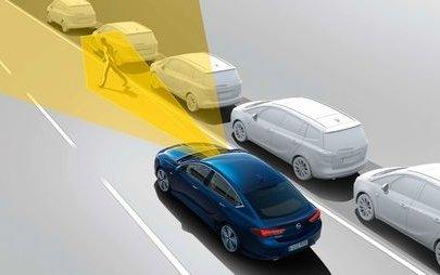 """Opel'in Ön Kamerası """"Car Connectivity Award 2019"""" Ödülünü Aldı"""